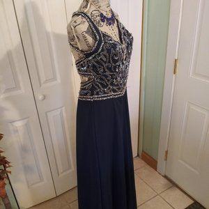 430 Size 4 Alyce Formal Dress